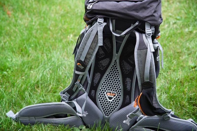 LOWE ALPINE AIRZONE TREK+ backpack