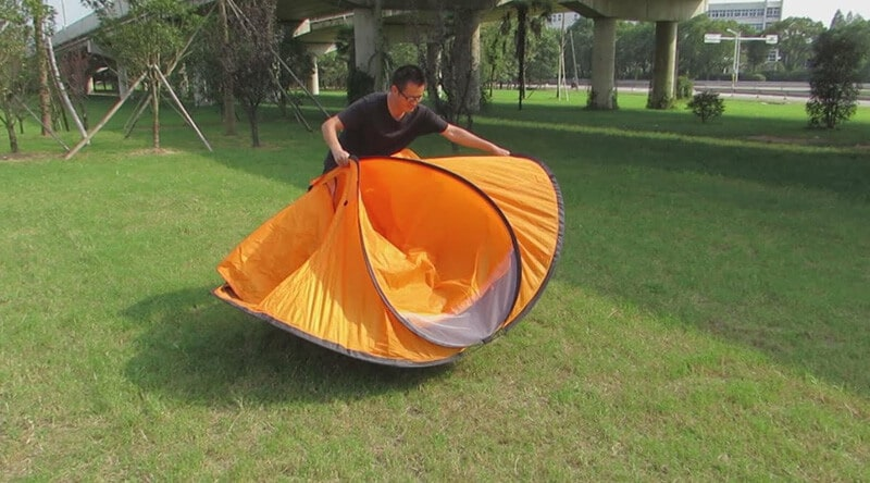 how to fold a beach tent