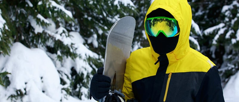 THINGS TO CONSIDER WHEN PURCHASING SNOWBOARD GLOVES