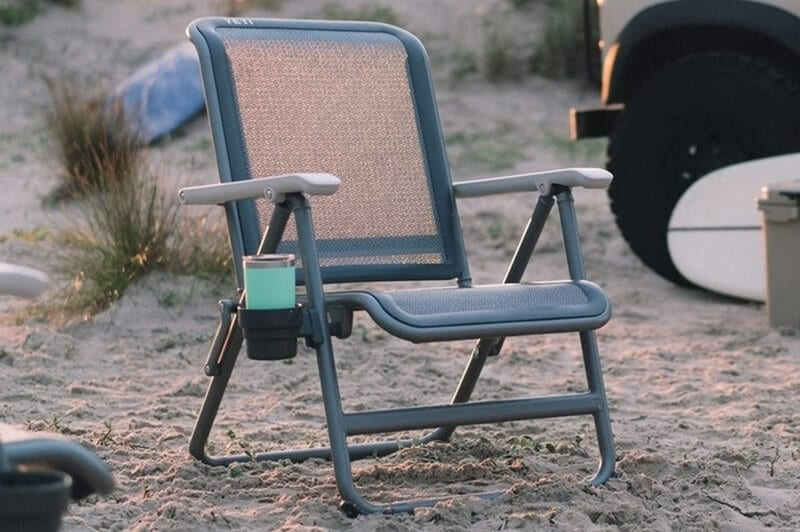 ARROWHEAD OUTDOOR Heavy-Duty Solid Hard-Arm High-Back Folding Camping Quad Chair Cup Holder Included w//Side Pouch USA-Based Support Supports up to 400lbs Heavy-Duty Carrying Bag