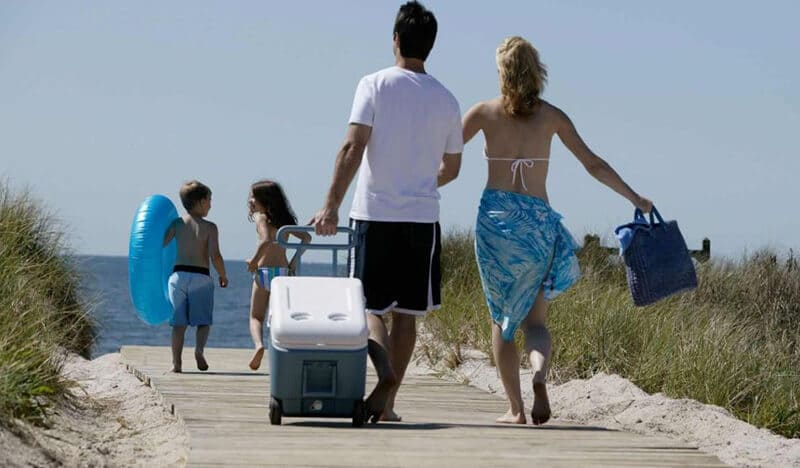 Top 14 Best Beach Coolers With Wheels Reviews 2020