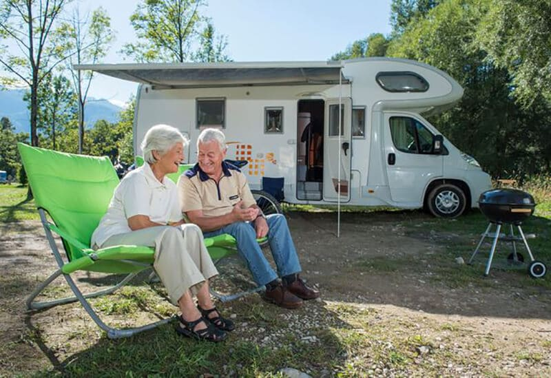 Top 11 Best Travel Trailer For Retired Couple 2020 Review [New]