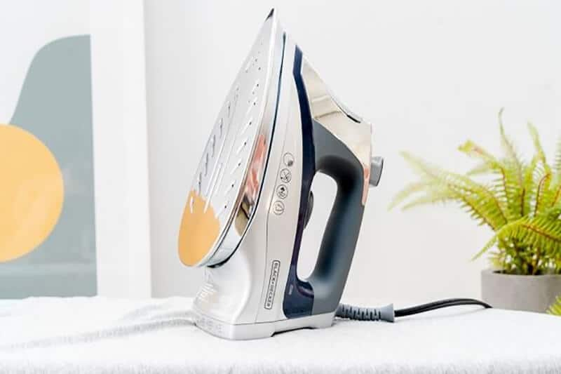 Top 13 Best Travel Iron 2020 review [New]