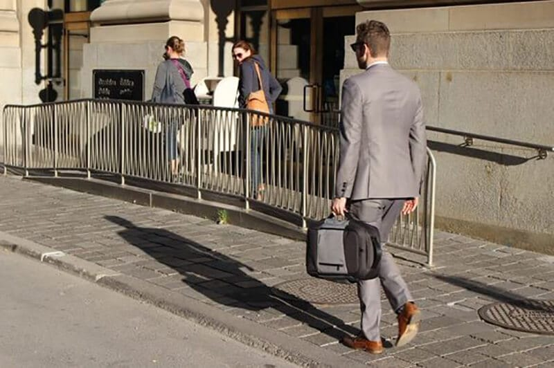 What Are the Advantages of a Laptop Bags for Air Travel 1