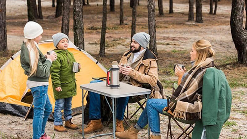 tables essential - best folding camping table and chairs