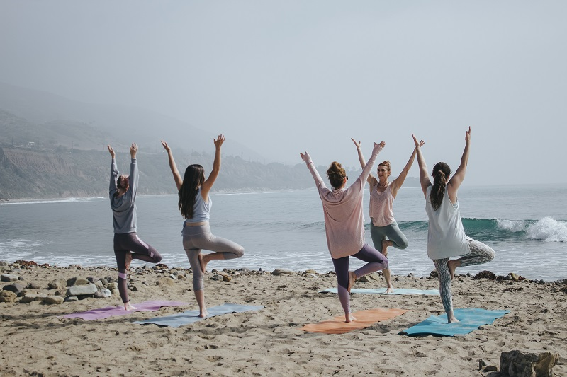 jobs that allow you to travel yoga instructor