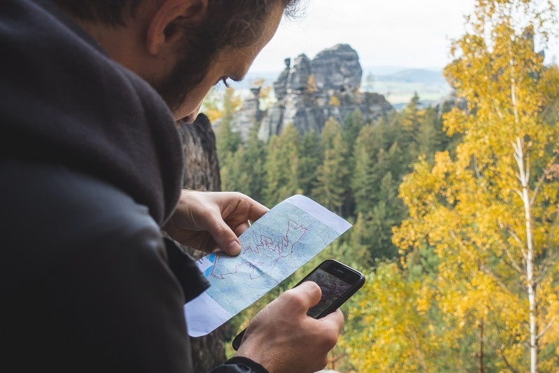 using mobile phone tools to plan trip