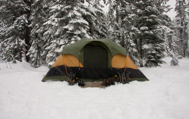 How to Choose a Camping Tent for the Winter