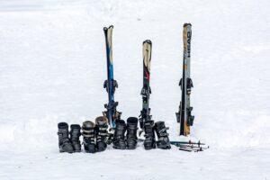 best snowboard & ski boot bag reviews