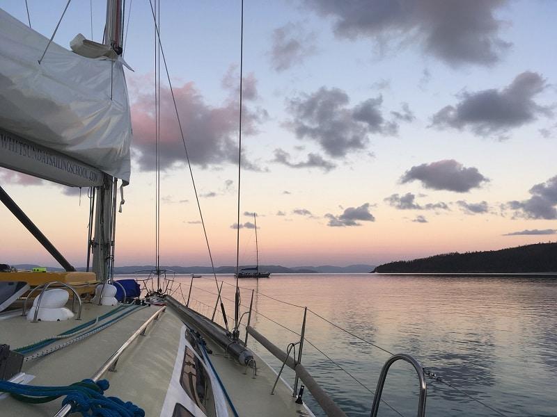 sailing whitsunday islands australia