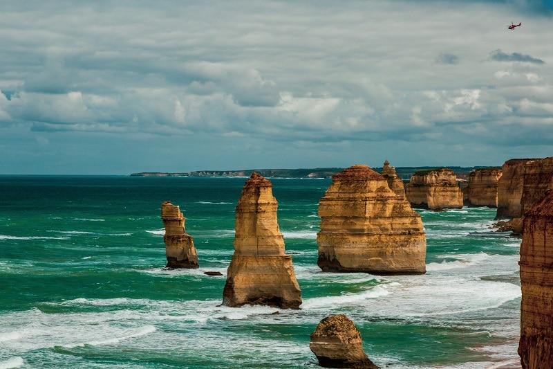 great ocean road twelve apostles australia
