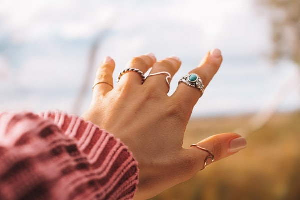 accessorize outfits with jewelry rings