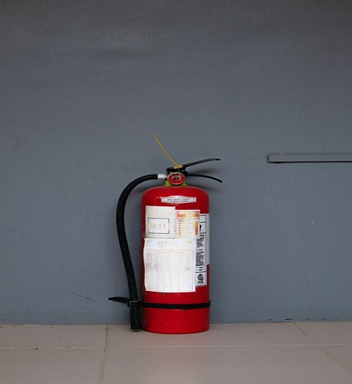 electrical safety tips for RV camping have fire extinguisher