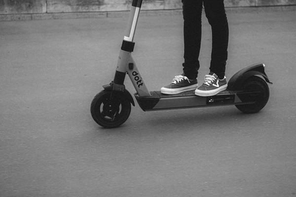 7 crucial things to consider before buying an e-scooter