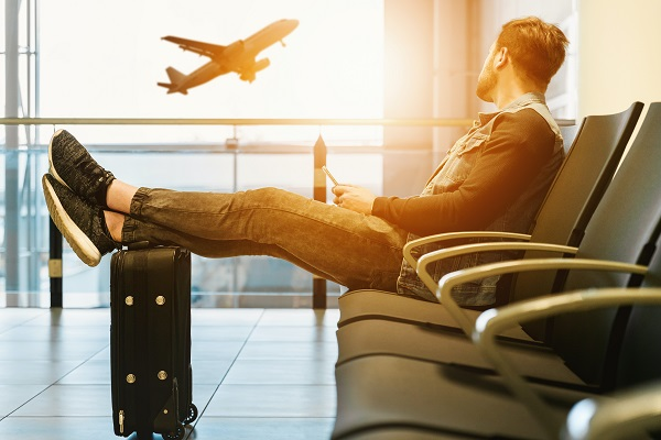 how to travel and work-out to stay healthy and happy